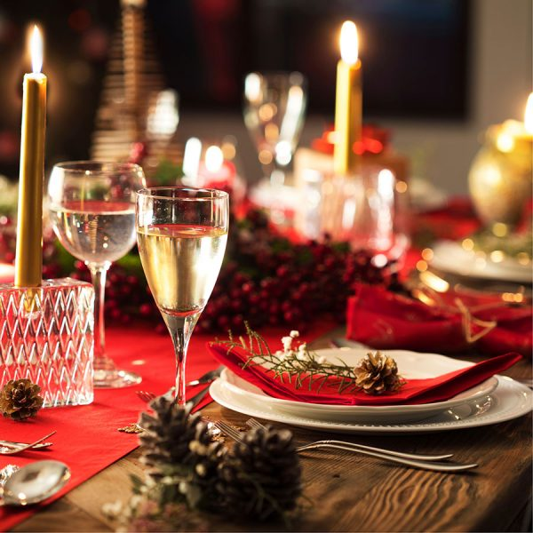 Best Christmas Table Runner – Reviews & Buying Guide