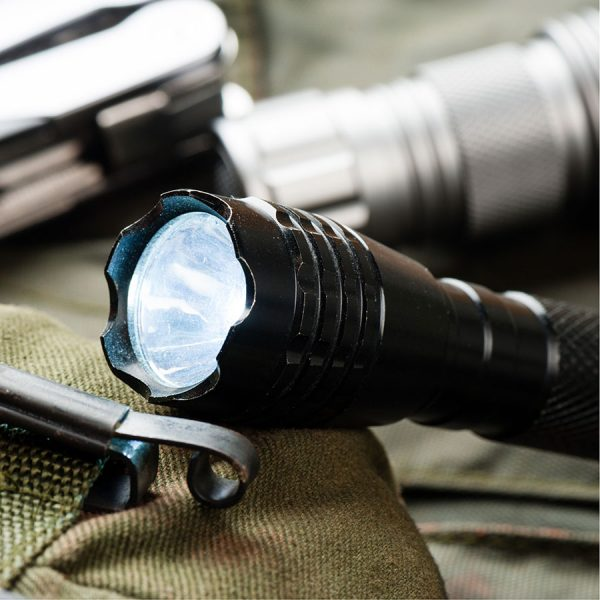 Best Flashlight – Reviews & Buying Guide
