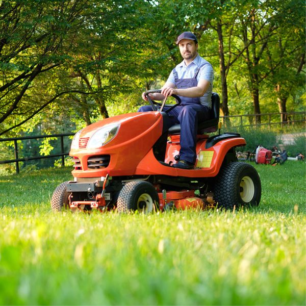Best Lawn Tractor • Reviews & Buying Guide
